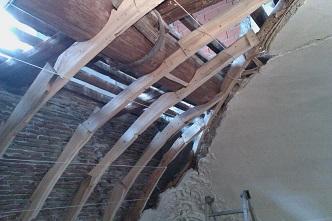 Restauri darte restauro delle centine del soffitto a botte del